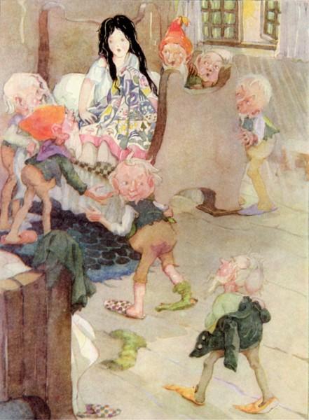 Die sieben Zwerge finden Schneewittchen in einem ihrer Betten. Illustration Anne Anderson